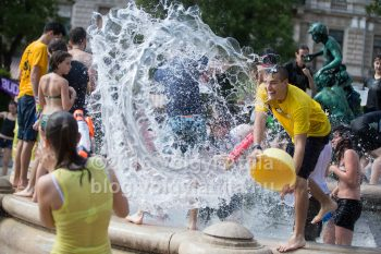 http://photos.volgyiattila.hu/gallery/Water-Fight-Day-Budapest-2016/G0000zao4K9ViLKo/C0000mwPCnEVAMSM